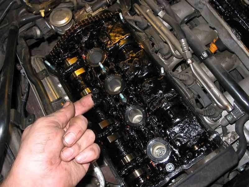 Моторное масло с добавкой молибдена: преимущества и недостатки