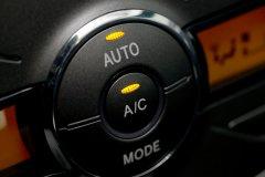 Скоро лето! Как правильно выполняется чистка кондиционера в автомобиле?