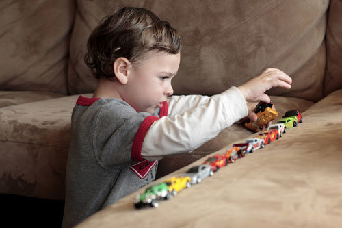 Как обнаружить признаки аутизма