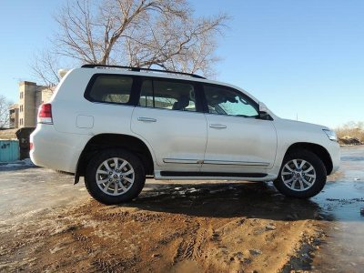 Toyota прекращает продажи Land Cruiser 200