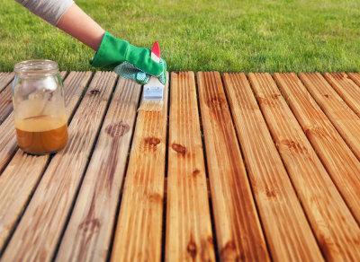 Антисептик - надежное средство от гниения древесины