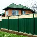 Забор из профнастила. Преимущества и недостатки