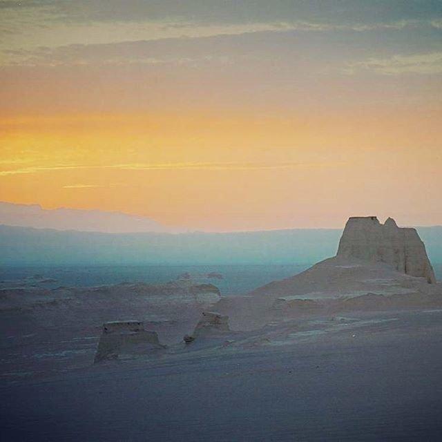 Рассвет над пустыней