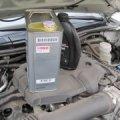 Стоит ли переплачивать за дорогое импортное моторное масло или пользоваться «отечественным»?