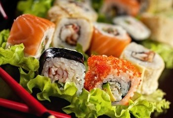 Суши и роллы: полезна ли японская кухня?