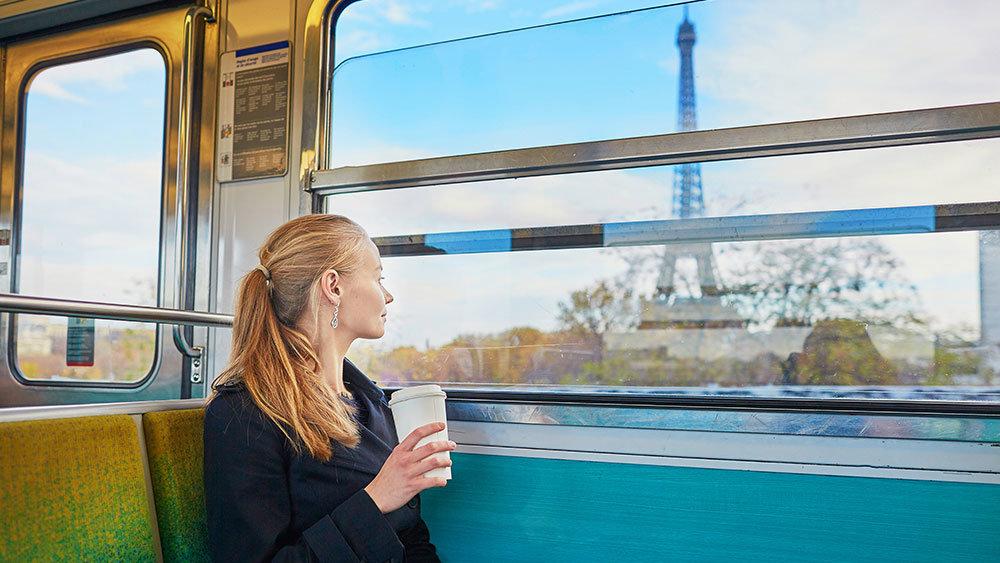 Девушка во Франции