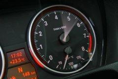 Почему постоянная езда на низких оборотах вредна для двигателя?