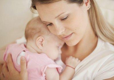 Как правильно прикладывать ребёнка к груди для кормления: подсказки