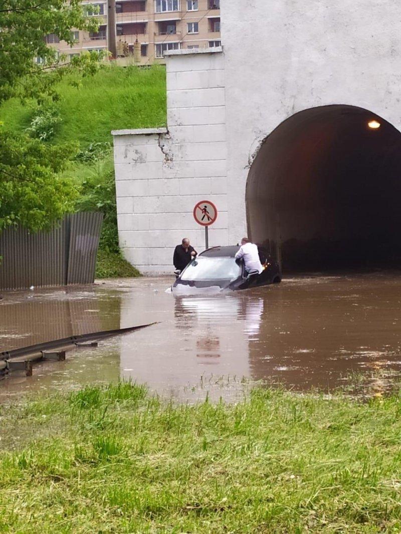 Обязательные рекомендации и «лайфхаки» специалистов при управлении автомобилем в дождь