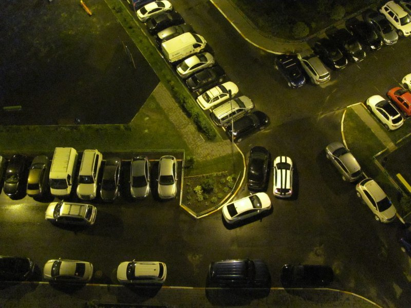 Как бороться с соседями, которые подпирают ваш автомобиль во дворе?
