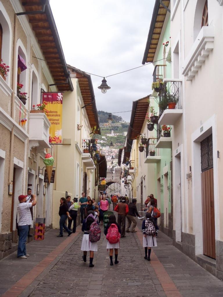 улица Рондо в Кито