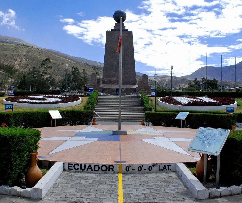 изображение середины мира в Эквадоре