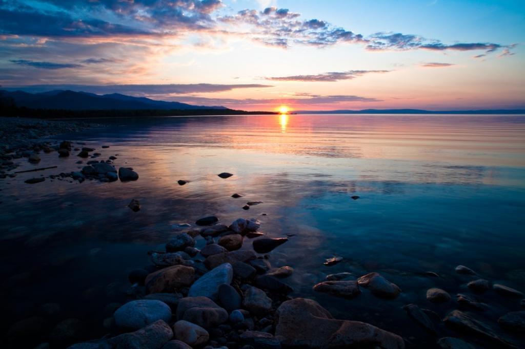 Закат на озере Байкал