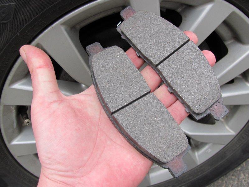 Простейшие способы самостоятельного определения износа колодок и тормозных дисков