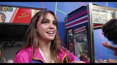 Bailee Madison Broke My Studio Arcade | Magic with Celebrities видео