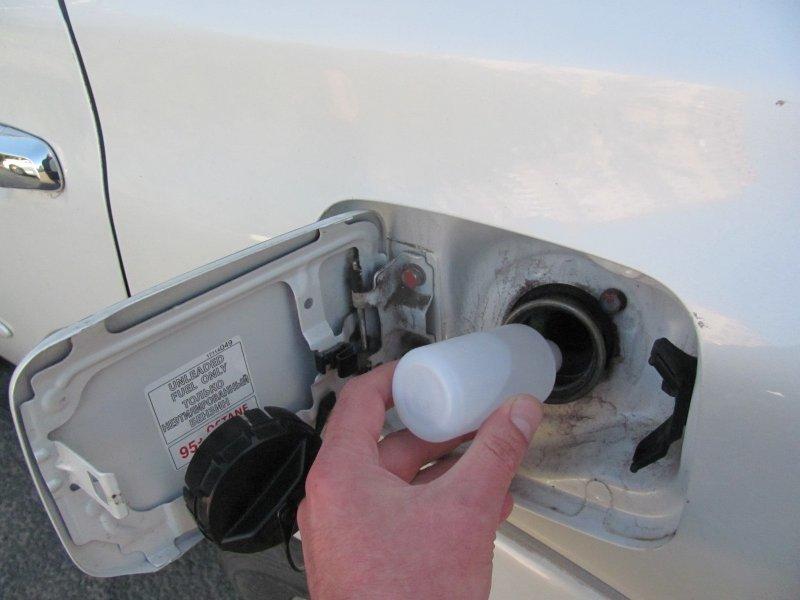 Что делать, если в бензобаке скопилась вода