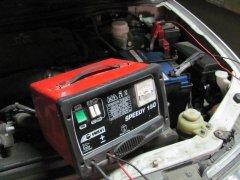 Как правильно выбрать зарядное устройство для аккумулятора автомобиля?